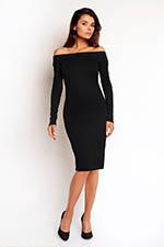czarna prosta sukienka odkryte ramiona