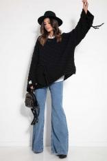 Czarny Sweter Oversize z Naszytą Kieszenią i Frędzlami
