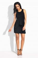 Czarna Sukienka Dopasowana z Asymetryczną Falbanką