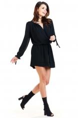 Czarna Sukienka w Stylu Boho z Biżuteryjna Ozdobą