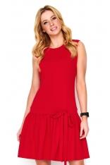 Czerwona Sukienka z Obniżoną Talią Wykończona Falbanką