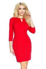 Czerwona Sukienka z Metalową Klamrą przy Dekolcie