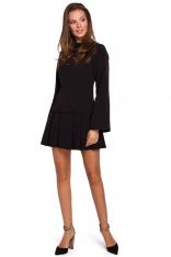 Czarna Sukienka z Obniżoną Talią z Półgolfem