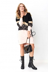 Pudrowa Dresowa Sukienka z Blokowym Połączeniem Materiałów