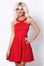 Czerwona Sukienka z Wycięciami i Wirującym Dołem