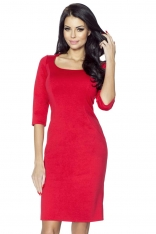 Czerwona Sukienka Elegancka z Dekoltem Karo