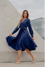 Rozkloszowana Midi Sukienka z Kopertowym Dekoltem - Granatowa