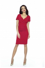 Czerwona Sukienka Dopasowana Drapowana z Kopertowym Dekoltem