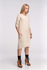 Luźna Beżowa Dzianinowa Sukienka z Wydłużonym Tyłem z Długim Rękawem