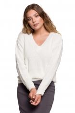 Klasyczny Sweter z Dekoltem w Szpic - Ecru
