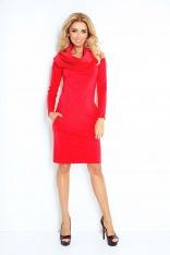 Czerwona Sukienka Dopasowana z Obfitym Golfem