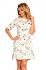 Sukienka w Pastelowe Kwiaty z Falbanką