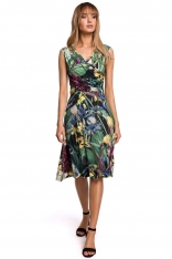 Rozkloszowana Sukienka w Kwiaty z Drapowaniem - Model 2