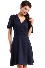 Rozkloszowana Granatowa Sukienka z Dekoltem w Szpic