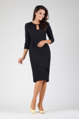 Czarna Wizytowa Dopasowana Sukienka z Dekoracyjnym Dekoltem