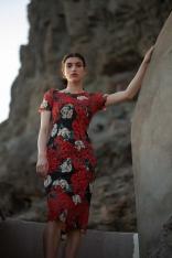 Dopasowana Sukienka Koronkowa w Róże