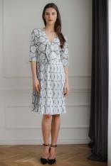 Elegancka Sukienka z Plisowanym Dołem - Wzór 114
