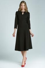 Czarna Kobieca Rozkloszowana Sukienka Midi z Pęknięciem przy Dekolcie