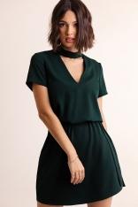 Trapezowa Mini Sukienka z Chokerem - Zielona