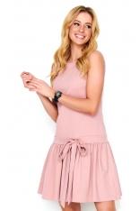 Różowa Sukienka z Obniżoną Talią Wykończona Falbanką