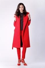 Elegancki Czerwony Płaszcz z Kapturem Przewiązany Paskiem
