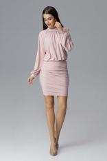 Różowa Dopasowana Sukienka Wizytowa z Ozdobnymi Marszczeniami.