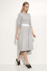 Szara Sukienka Asymetryczna Midi z Podkreśloną Talią
