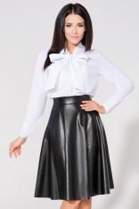 Biała Koszula we Wzory z Wiązaną Kokardą