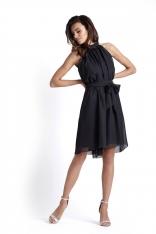 Czarna Zwiewna Koktajlowa Sukienka z Dekoltem Halter na Stójce