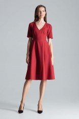 Bordowa Klasyczna Rozkloszowana Sukienka za Kolano z Dekoltem V
