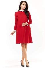 Czerwona Sukienka Wizytowa z Białym Kołnierzykiem i Mankietami