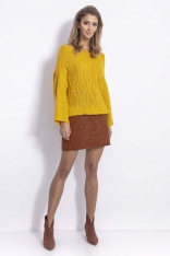 Żółty Sweter w Szeroką Łódkę z Ozdobnym Splotem