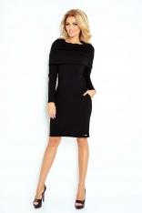 Czarna Sukienka Dopasowana z Obfitym Golfem