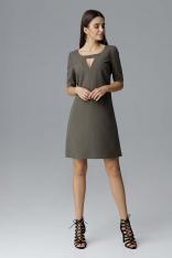 Oliwkowa Prosta Sukienka z Dekoracyjnym Wycięciem przy Dekolcie