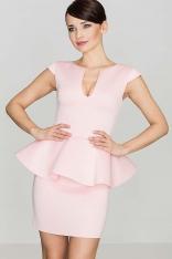 Różowa Elegancka Sukienka z Baskinką z Rozcięciem przy Dekolcie