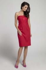 Czerwona Koktajlowa Sukienka o Fasonie Tuby z Odkrytymi Ramionami z Koronką