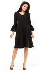 Czarna Sukienka Wizytowa o Luźnym Kroju z Falbankami przy Rękawach