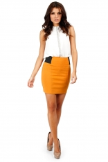 Miodowa Dopasowana Spódnica Mini z Elastycznymi Wstawkami