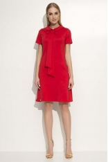 Czerwona Sukienka Trapezowa Midi z Kołnierzykiem i Krawatem