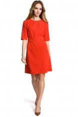 Czerwona Sukienka Trapezowa przed Kolano z Paskiem