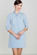 Uniwersalna Niebieska Koszulowa Sukienka z Wiązaną pod Szyją Szarfą