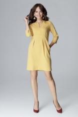 Żółta Wizytowa Prosta Sukienka z Rozcięciem przy Dekolcie