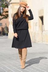 Czarna Sukienka Dzianinowa o Luźnym Kroju z Guzikam