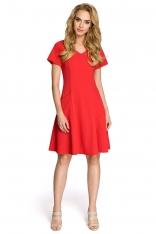 Rozkloszowana Czerwona Sukienka z Cięciami Modelującymi