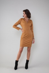 Dopasowana Sukienka w Serek z Eco- Skóry - Karmelowa