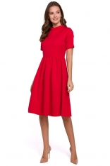 Czerwona Rozkloszowana Sukienka z Wykładanym Kołnierzykiem