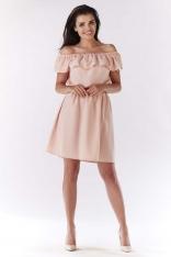 Jasno Różowa Sukienka ze Zmysłowym Dekoltem Carmen