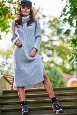 Swetrowa Sukienka z Golfem w Pionowe Prążki - Szara