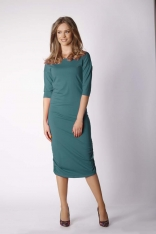 Zielona Dopasowana Sukienka Midi Marszczona na Bokach