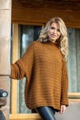 Karmelowy Oversizowy Sweter w Prążek z Niską Stójką